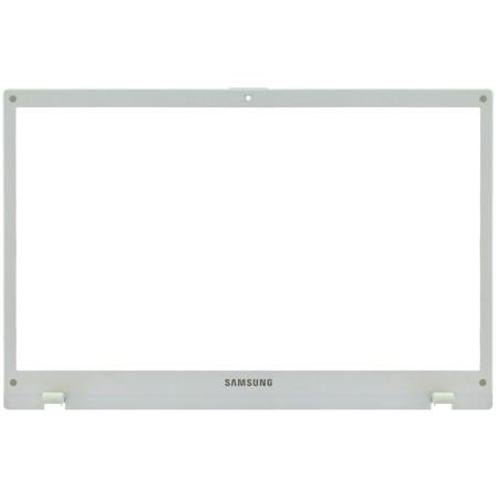 Рамка матрицы (B) для Samsung NP300V5A / BA75-03209B белый
