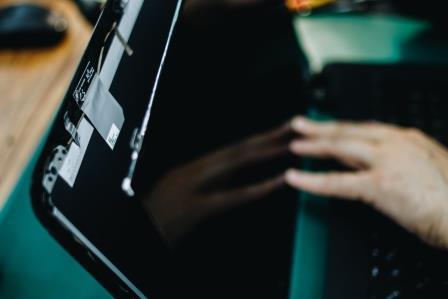 замена экрана ноутбука своими руками